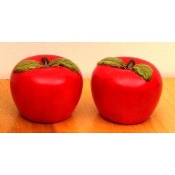 Ceramic Apple Salt & Pepper Set